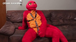 Red Lizard playing with himself on his new fursuit